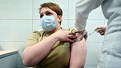 Az EU gyógyszerhatósága cáfolja a Szputnyik fejlesztőjét