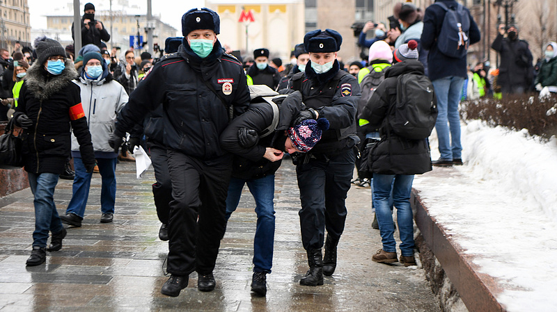 Őrizetbe vették Navalnij feleségét is