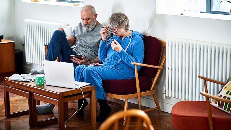 Riasztó hírt kaptak a koronavírusról az idősebbek