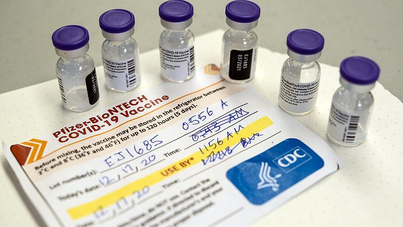 Fél évre növelnék a Pfizer és a Moderna két vakcinája közt a beadási időtartamot a franciák