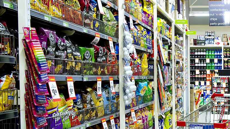 Szigorítások: fontos felhívást tettek közzé a boltláncok (frissítve)