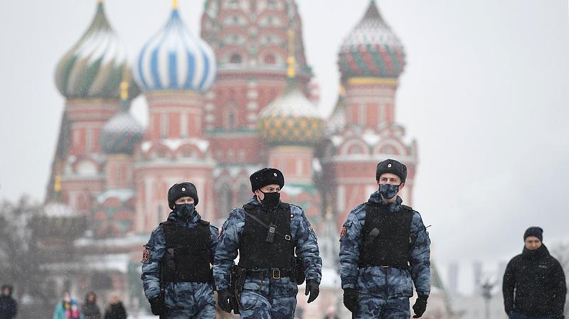 Nagy készültséggel várják a vasárnapot Oroszországban
