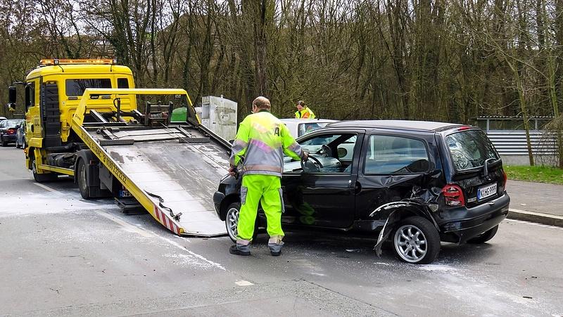 Autósok figyelmébe: változás jön a kötelező biztosításoknál