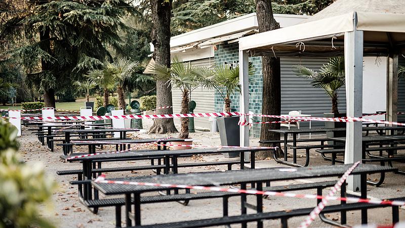 Áfacsökkentéssel mentenék a turizmust a magyarok