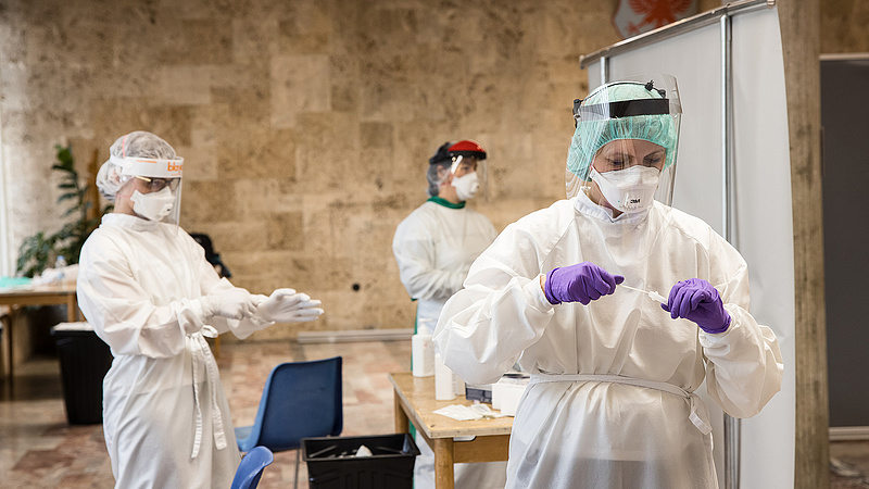 Véget ért a járvány Szlovéniában, mégsem enyhítenek