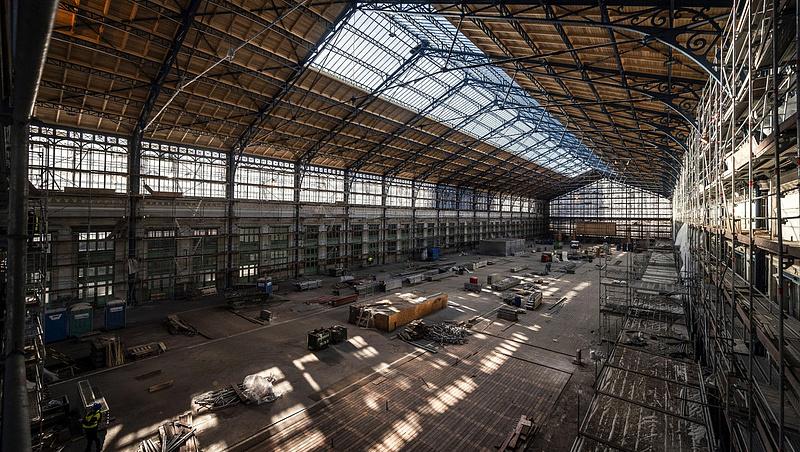 Befejeződött a felújítás a Nyugati pályaudvar utascsarnokában