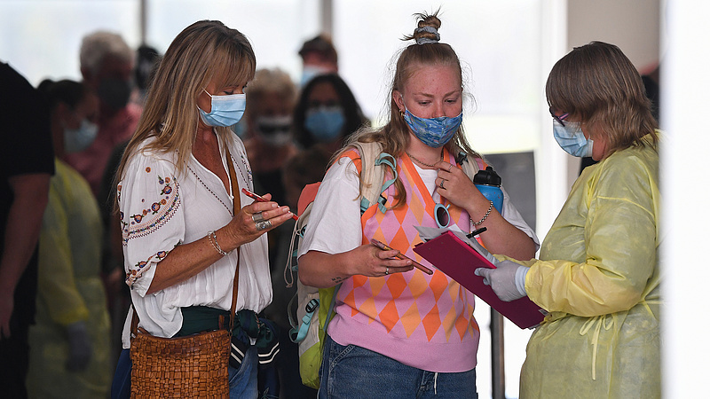 Túljártak az állam eszén és tízezrek utaztak külföldi nyaralásra