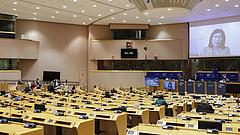 Pellengérre állították az AstraZeneca vezérét az Európai Parlamentben