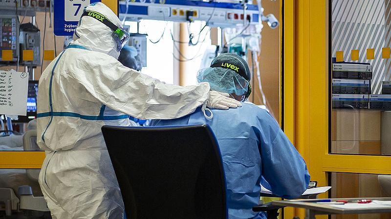 Olyan súlyos a cseh járványhelyzet, hogy az EU-n keresztül kérnek segítséget