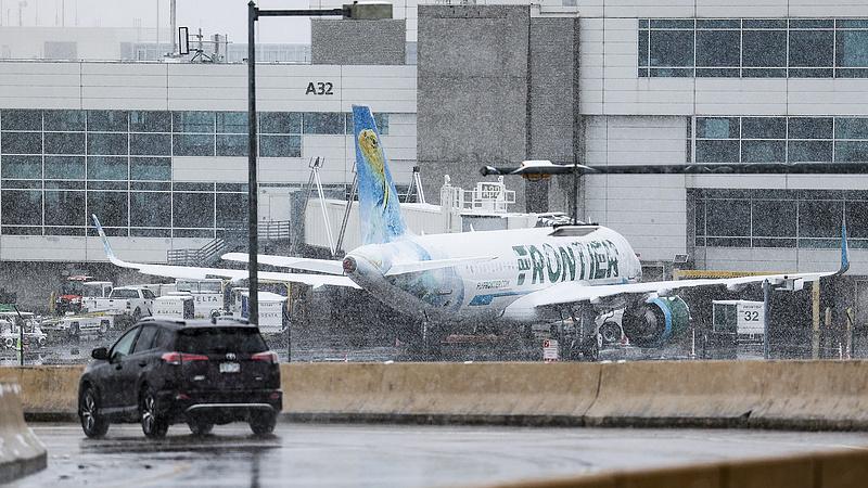 Márciusi hóvihar miatt állt le a denveri reptér