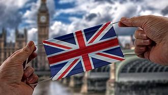 Koronavírus: elhalasztják a teljes nyitást a britek