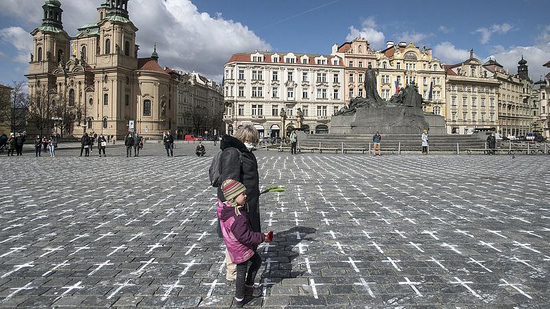 Koronavírus: a cseheknél látványosan lelassult a járvány terjedése