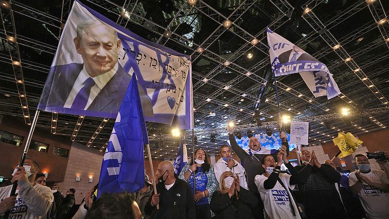 Izraeli választások: elvesztette többségét a Netanjahut támogató tömb