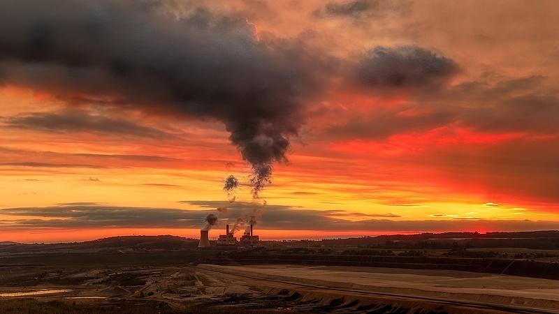 Bajban a szénerőművek: újabb nagy pénzügyi cég zárja el a pénzcsapot
