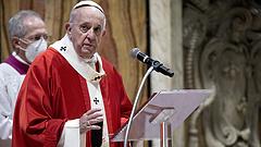 Egyházi kiváltságot töröl el Ferenc pápa
