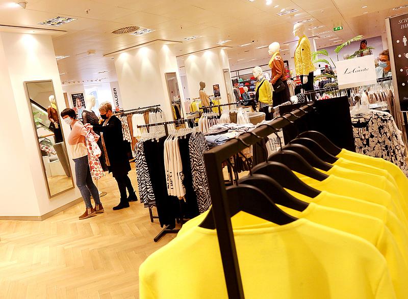 A divatot is elérte a kijárási tilalmak feloldási láza