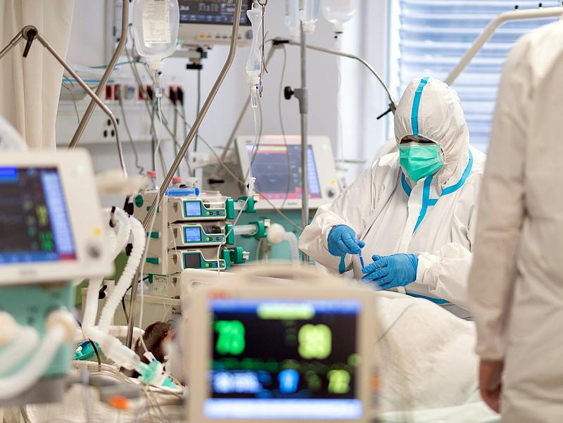 Koronavírus: már több mint 30 ezer magyar életet követelt a járvány