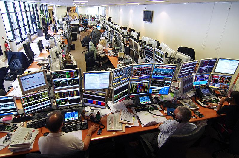 Egy százalékot meghaladó gyengülés volt a főbb európai piacokon