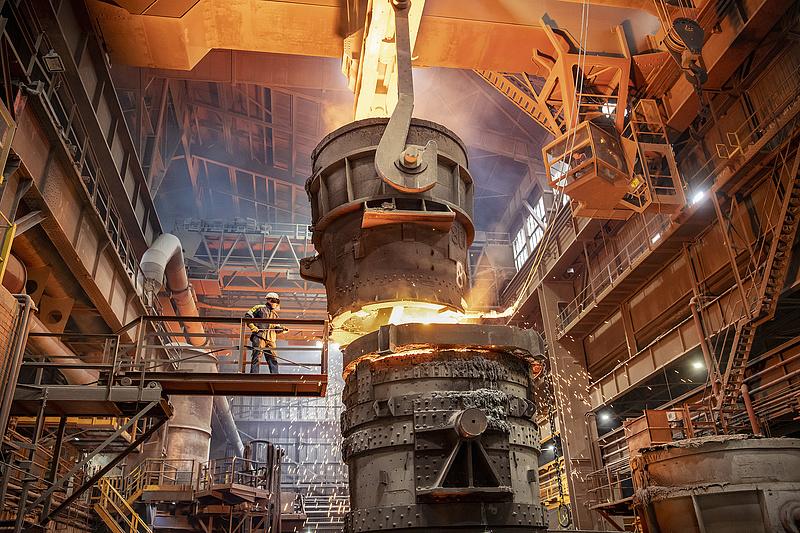 Nőtt a világ acéltermelése júniusban, Kína tovább izzik