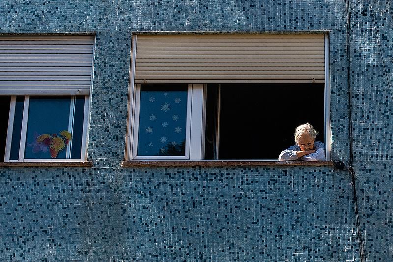 Titokban emelik a nyugdíjkorhatárt, így jártak a lengyelek