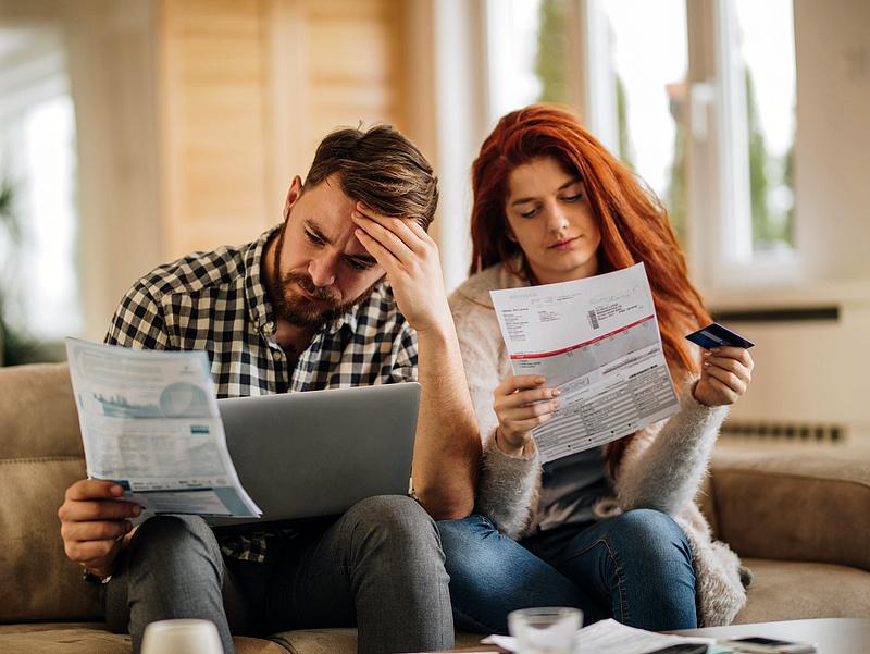 Nőnek a hitelkamatok, a moratórium sem védi az adósokat ez ellen