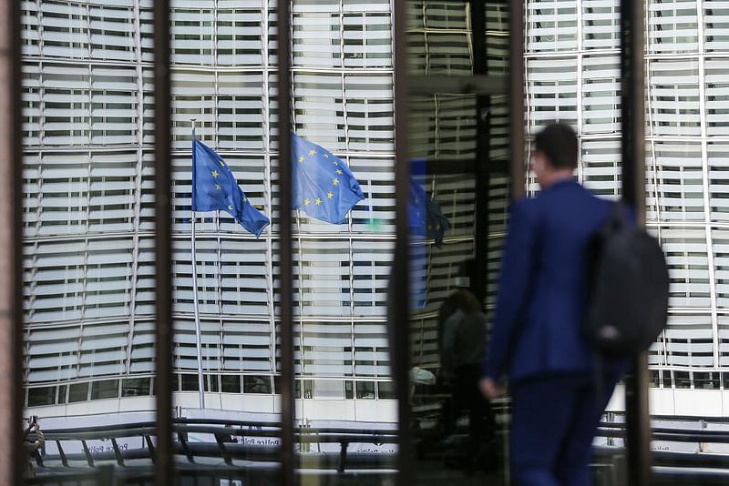 Alig viszik az uniós mentőpénzt