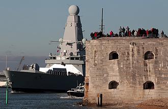 Az Egyesült Királyság hadihajókat küld az oroszok miatt a Fekete-tengerre