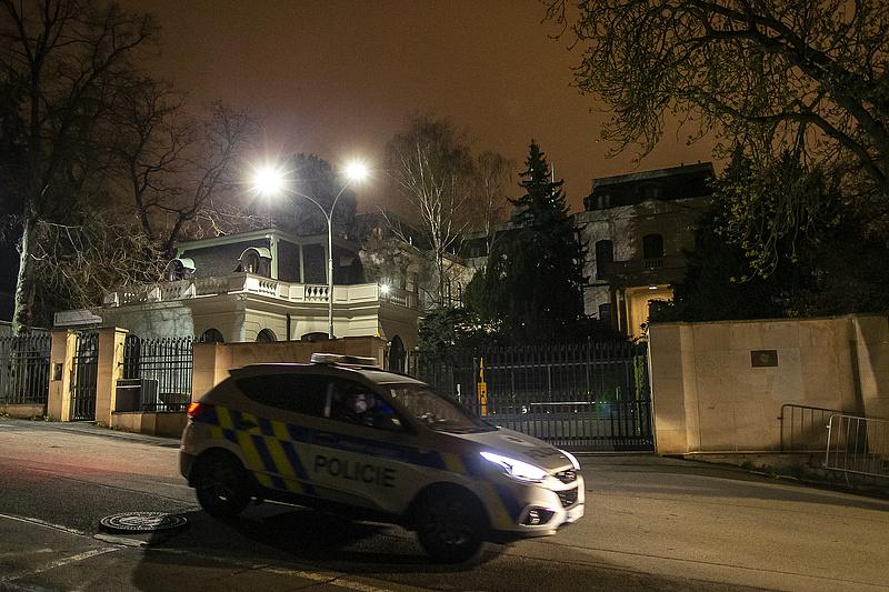 Csehország robbantással gyanúsítja Moszkvát, 18 embert kiutasítottak