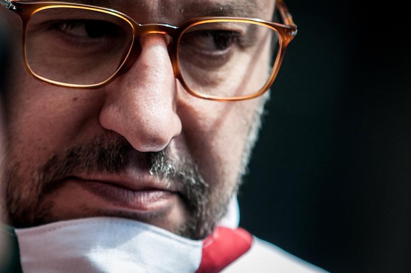Salvini ellen elindul a bírósági eljárás túszejtés miatt
