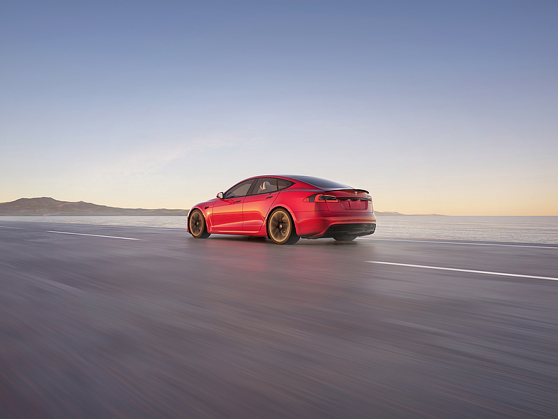 Főleg éjjel, erős fényben zavarodnak meg a Tesla önvezető rendszerei