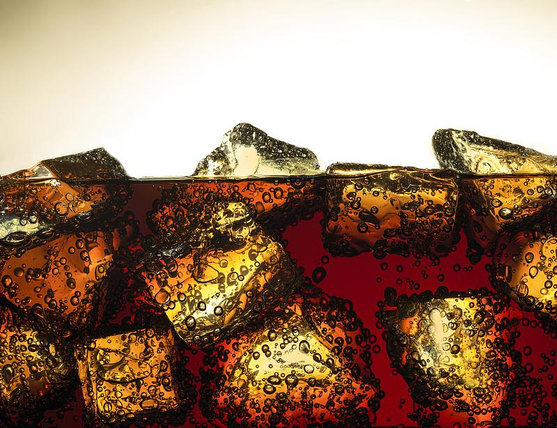 Komplett pohárcsere a magyar Coca-Colánál - csinos darabokra van kilátás