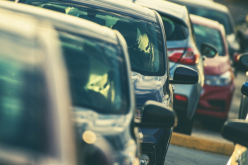 180 fokos fordulatot vett a magyar autópiac
