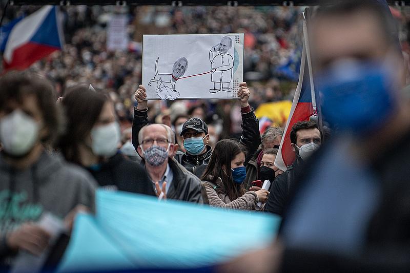 Szputnyik-vakcinák, kémtörténet, robbantás és zsarolás okoz kormányválságot Prágában