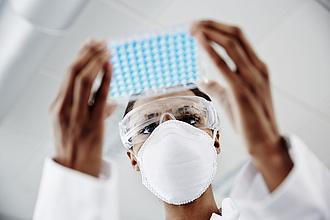 Új lendületet kaphat a koronavírus elleni gyógyszerek fejlesztése