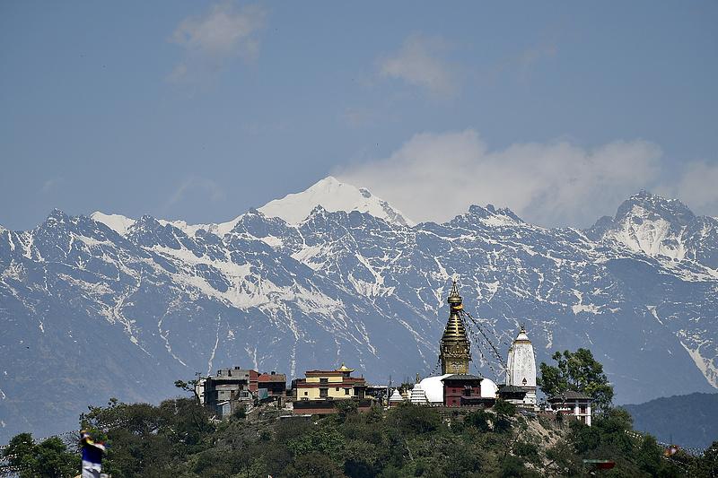 Nepál eltusolná az Everesten kitört járvány ügyét