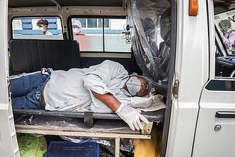Hermetikusan elzárná Indiát az amerikai járványkezelés