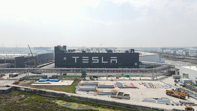 A Tesla is megtorpant Kínában az amerikai nyomás miatt