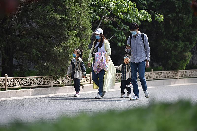 Több millió fantomgyereket gyárthatott a kínai állam