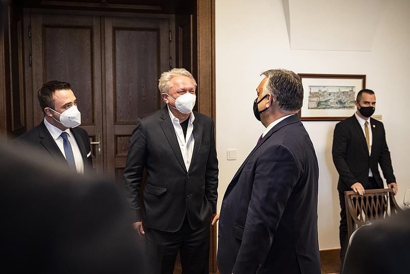 Orbán Viktor a Rheinmetall német védelmi ipari cégcsoport elnökével tárgyalt