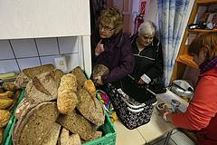 Rémisztő helyzetbe sodródnak a magyar nyugdíjasok egy globális kutatás szerint