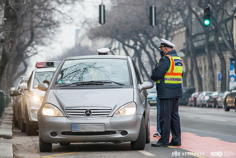 Két vezetéstől eltiltott személy is lebukott a buszsáv-ellenőrzéskor