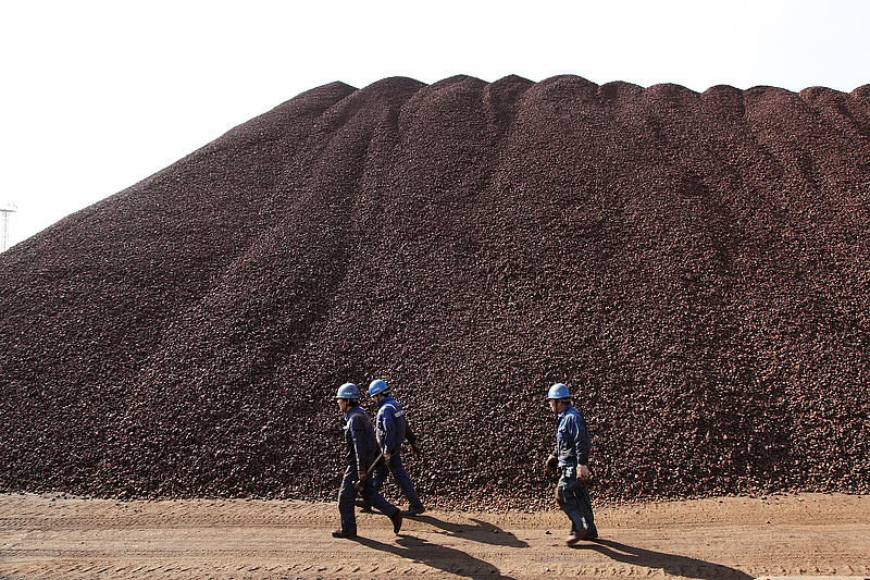 Egy nagy bánya megnyílik és az infláció megtorpan az egész világon