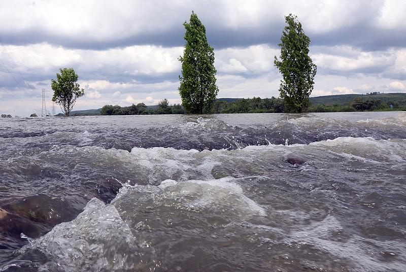 Több folyón is emelték az árvízkészültséget