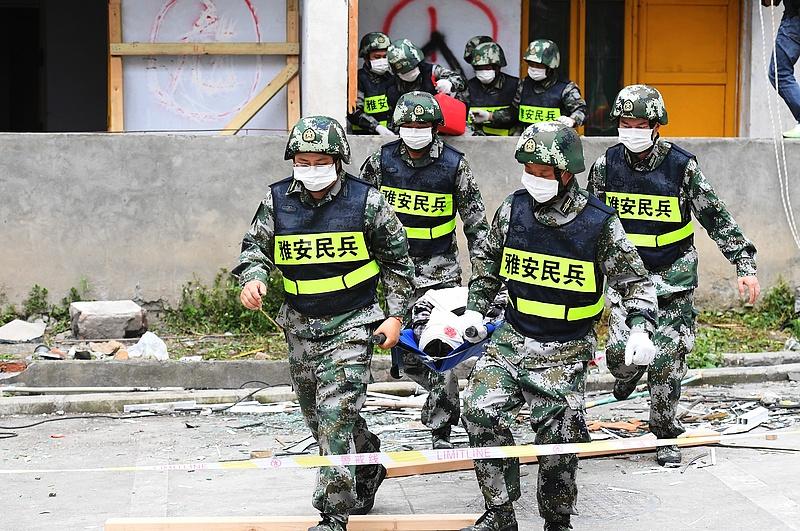Több ember halálát okozó erős földrengések rázták meg Kínát