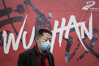 Koronavírus: még mindig több mint 9 ezren halnak meg naponta