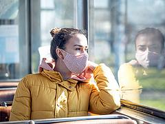 MTA: nagy a baj az átoltottsággal, a maszk életet menthet