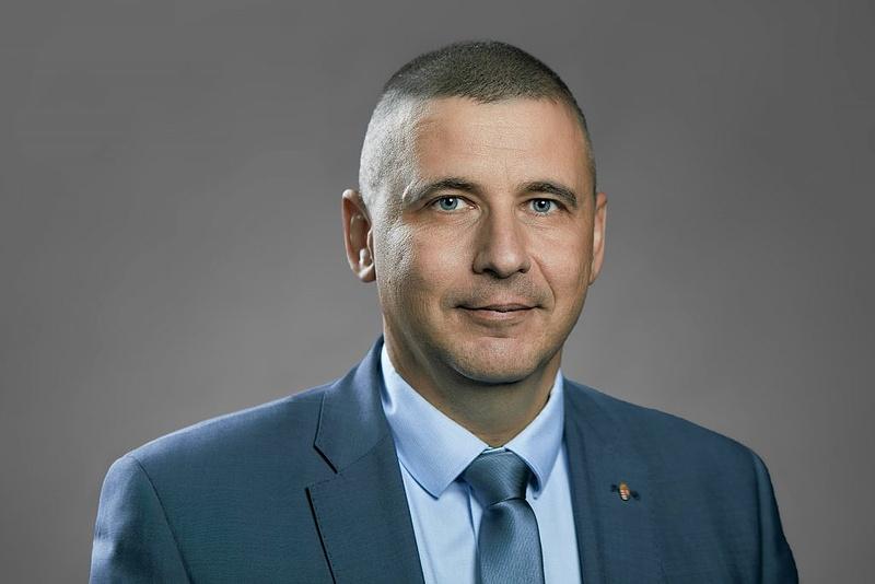 Ruszin-Szendi Romulusz fogja vezetni a magyar honvédséget