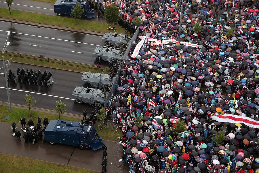 Manifestación masiva después de las elecciones presidenciales de 2020.