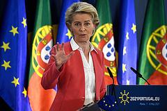 Válaszolt von der Leyen: Magyarország kormányváltás esetén is kiesik az uniós Pfizer-beszerzésből
