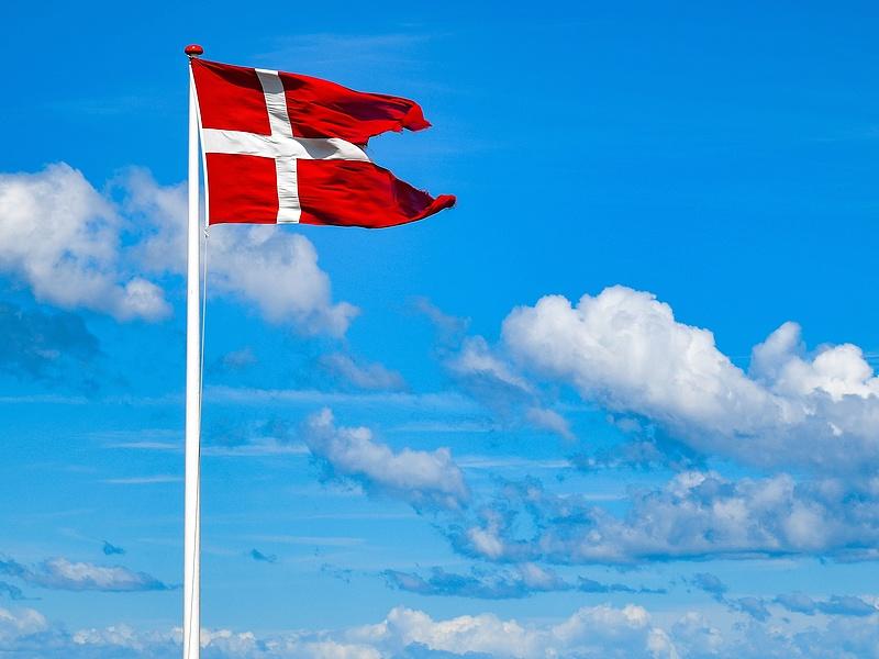 Döntöttek a dánok: náluk nincsen többé járvány